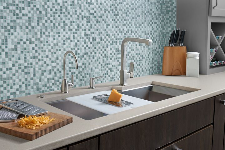 RGK_QuartilePullDown Kitchen Faucet_Lifestyle
