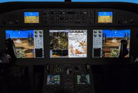Gulfstream G280 Flight Deck 003