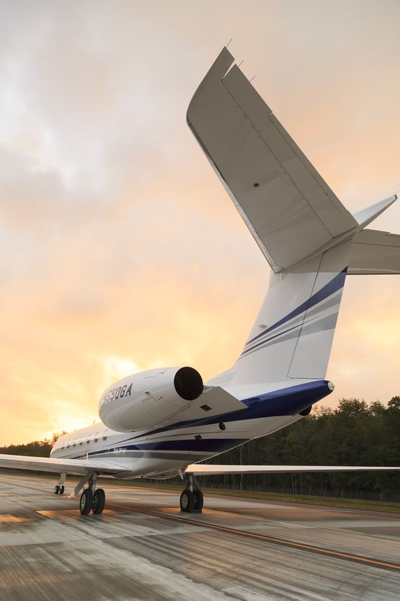 Gulfstream G550 Ground 1