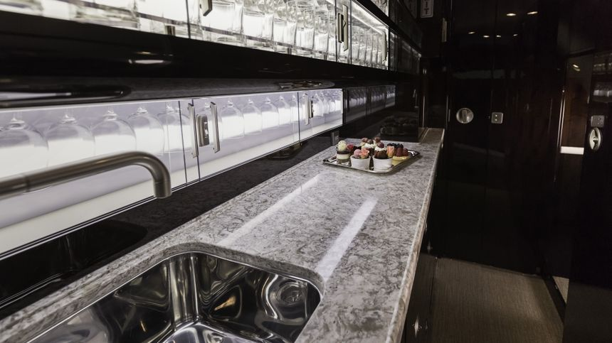 Gulfstream G550 Interior 6