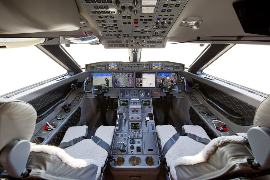 Gulfstream G650ER Flight Deck