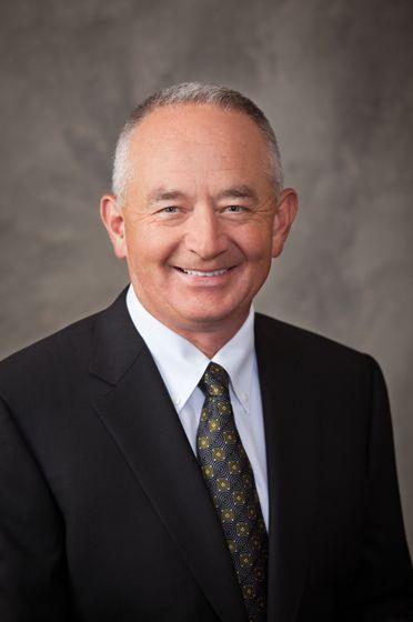 Dr. Mannen Headshot