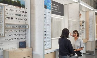 Eyeconic Chicago Bucktown Fitting