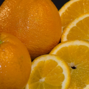 Oranges - close up on slices and whole