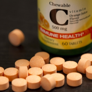 Vitamin C Chewable tablets and Bottle