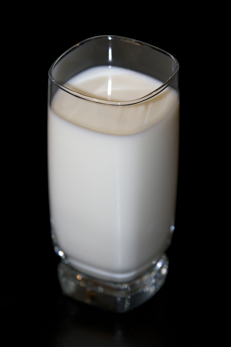 Milk Lowfat in glass verticle from above