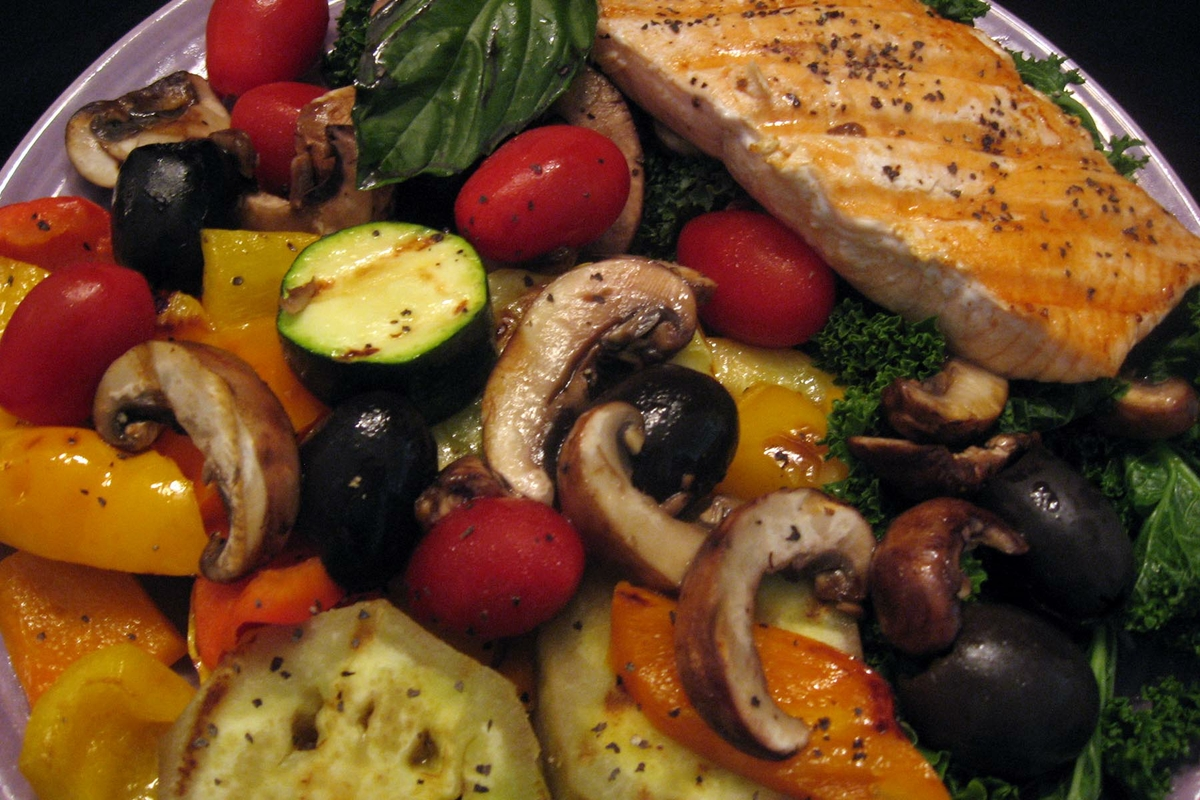 Mediterranean Diet - salmon, vegetables