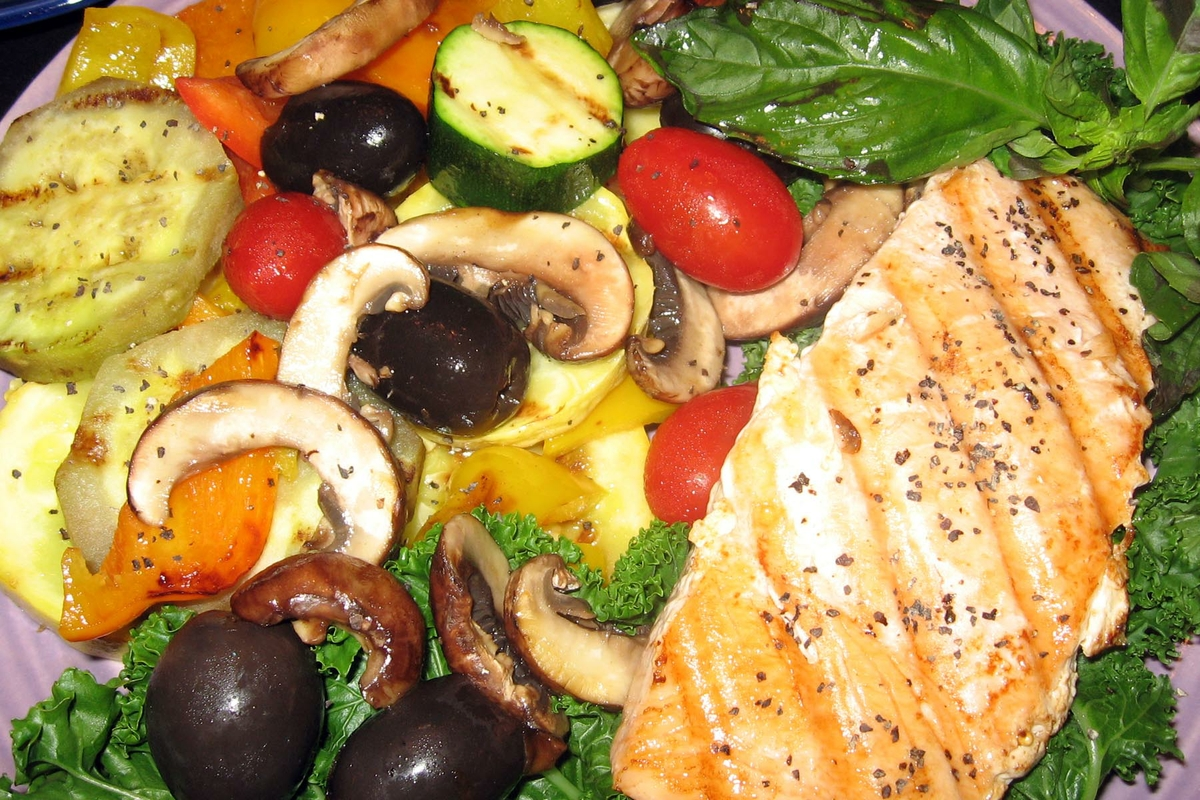 Veggies & Salmon - grilled
