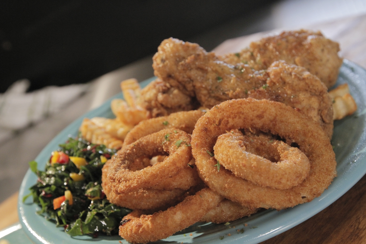 Onion rings - fried dinner 2