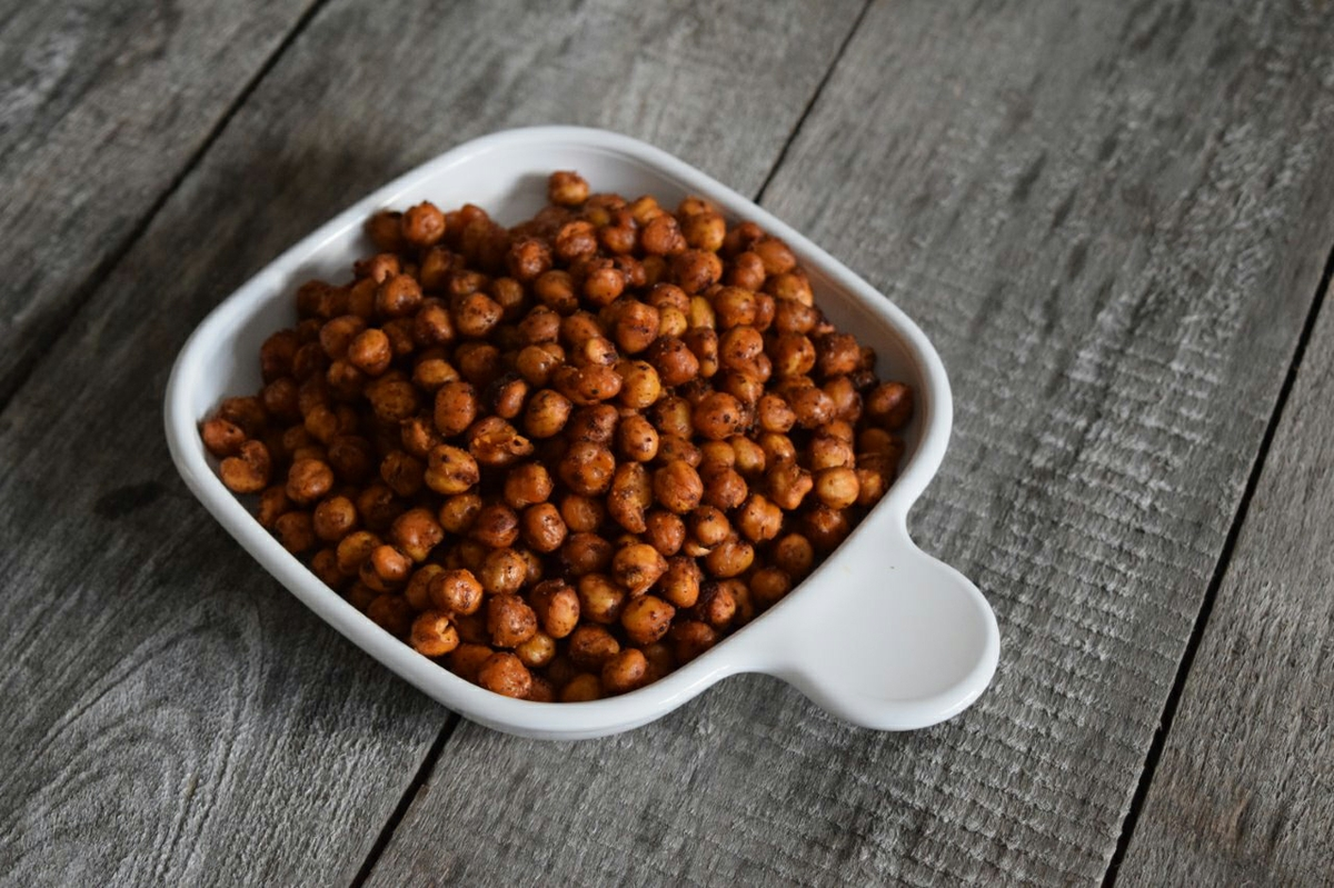 Spicy oven-roasted chick peas