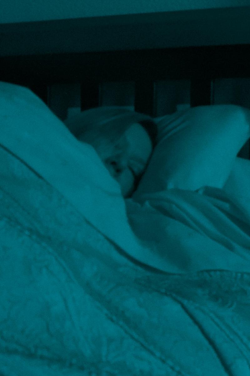 Woman sleeping (V)