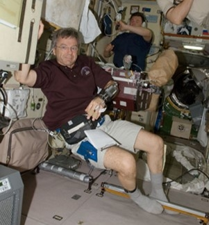 Bob Thirsk wearing measuring device