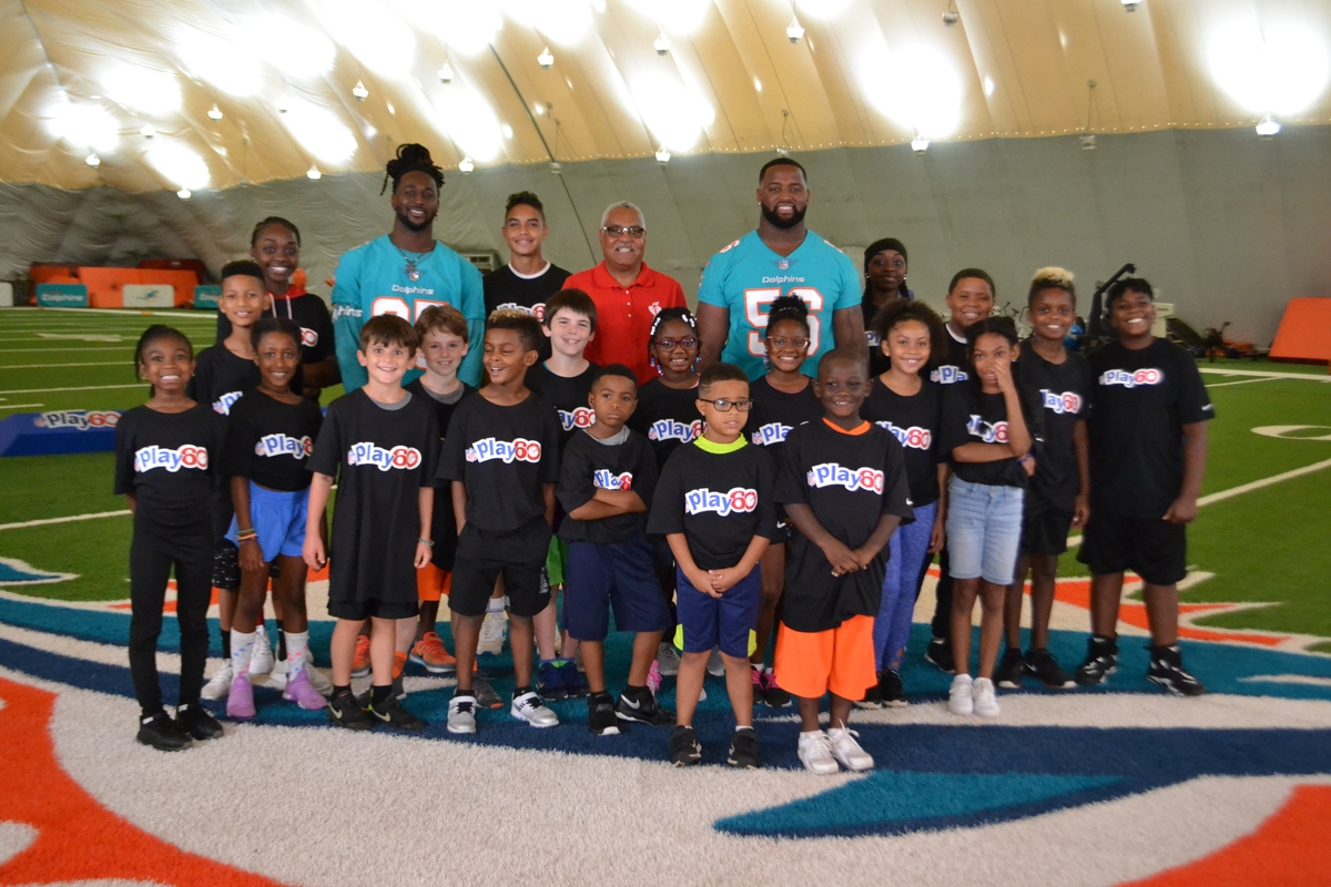 NFL Play 60 group photo