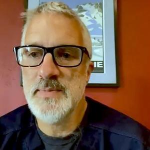 Dr. Kurt Lindsay