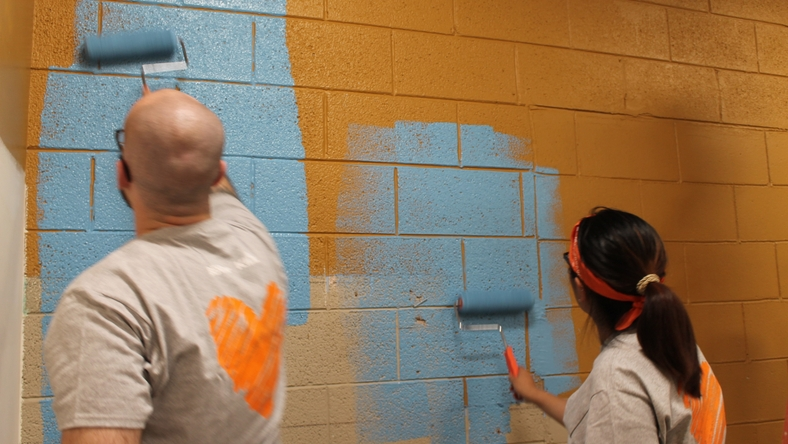 behr-cares-volunteers-01