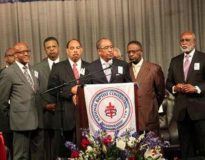 Baptist Convention Brings 20,000 to Atlanta, Rejuvenate Meetings