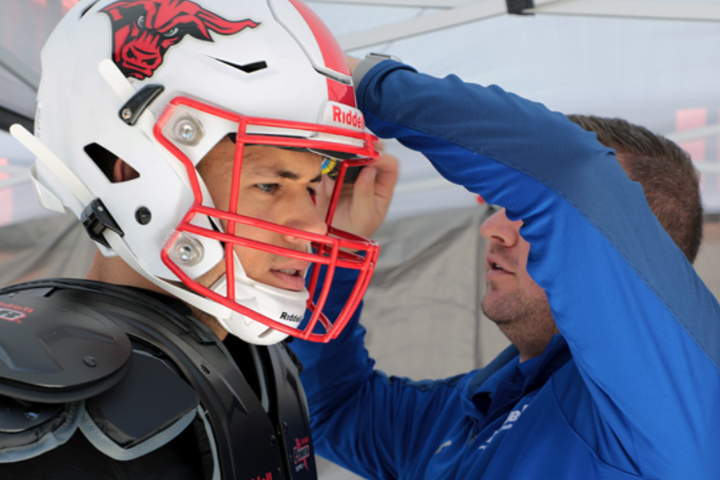 How to Properly Maintain Football Helmets During the Season