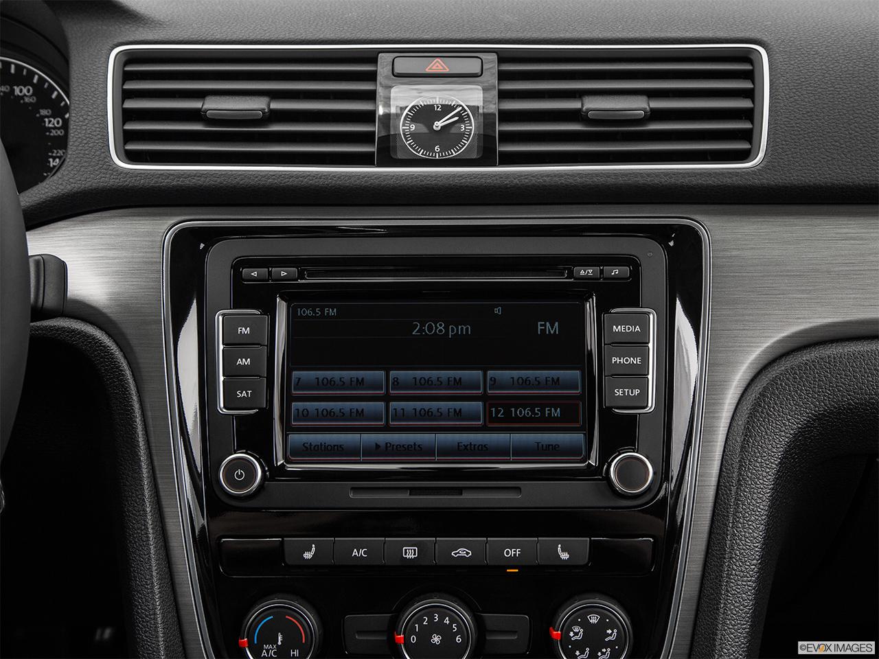 2015 volkswagen passat 1 8t manual sport sedan front angle view rh carnow com volkswagen passat radio manual volkswagen passat radio manual