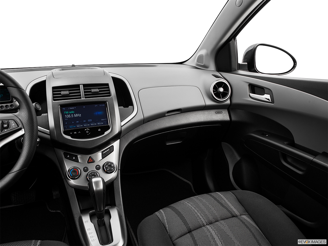 rs post chevrolet sonic image