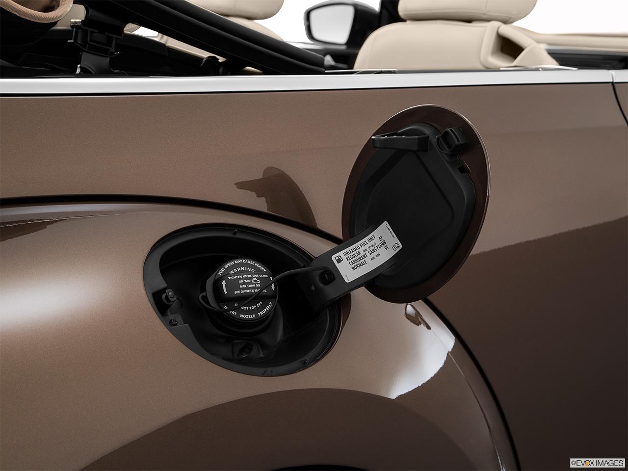 Volkswagen Beetle Convertible >> 2015 Volkswagen Beetle Convertible 2 Door Manual 2.0L TDI - Gas cap open