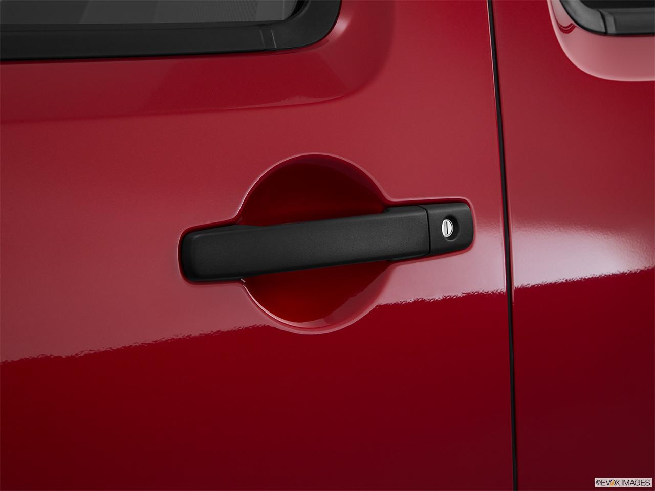 2016 Nissan Frontier 4WD Crew Cab SWB Manual S - Drivers Side Door handle & 10261_st1280_045.jpg