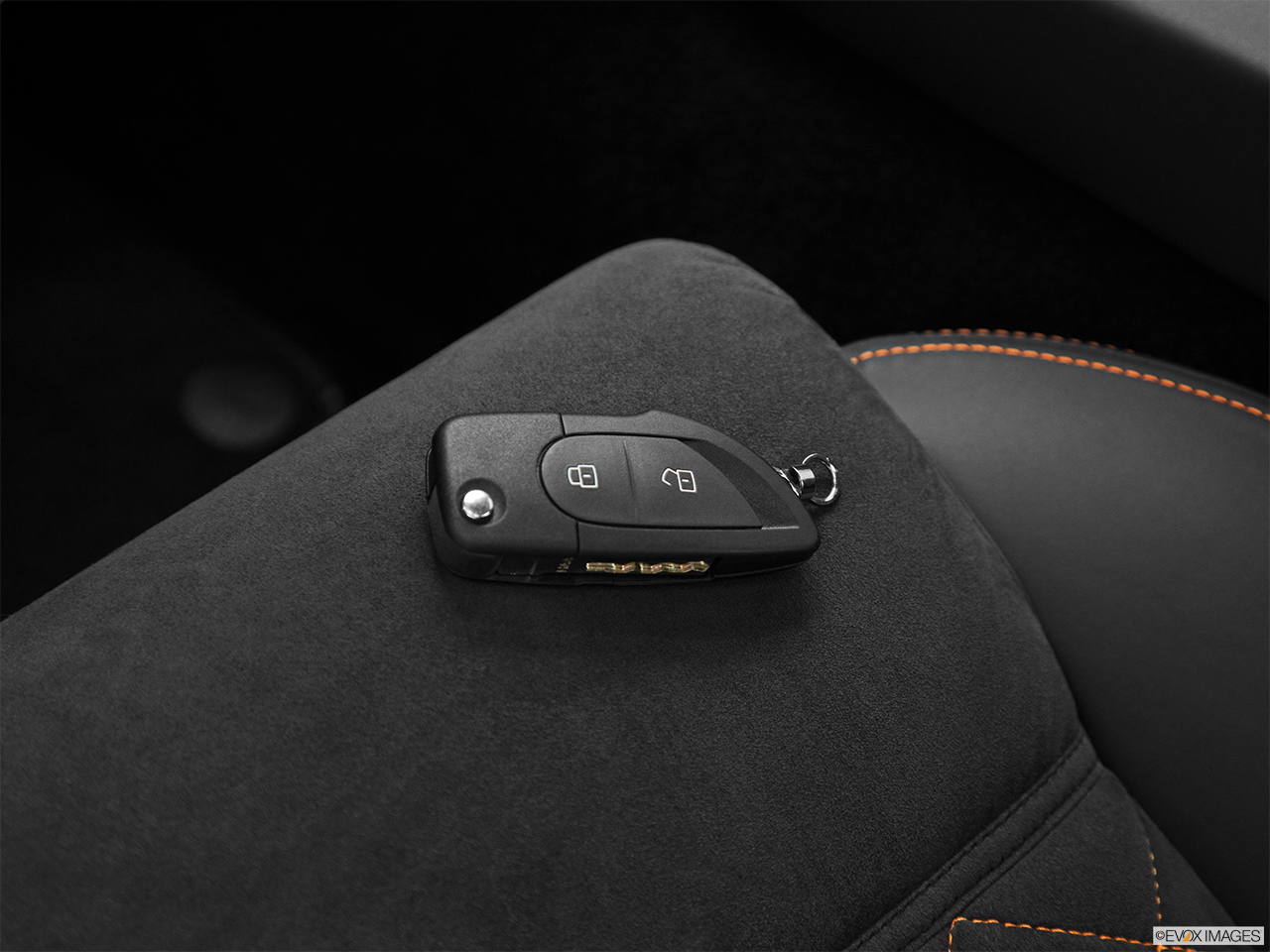 2013 Lamborghini Gallardo Coupe Lp560 4 Key Fob On Driver S Seat