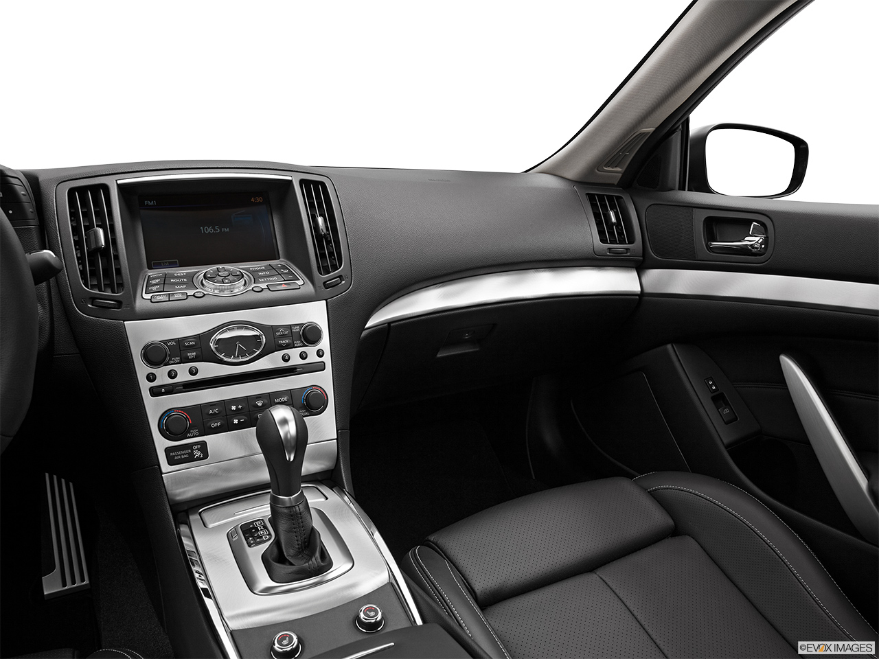 8289st1280175g 2013 infiniti g37 coupe 2 door journey rwd center consolepassenger side vanachro Image collections