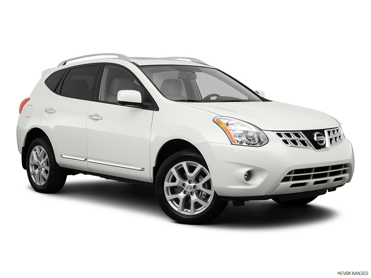 2014 nissan rogue fwd sv carnowcom for Nissan rogue sv invoice price