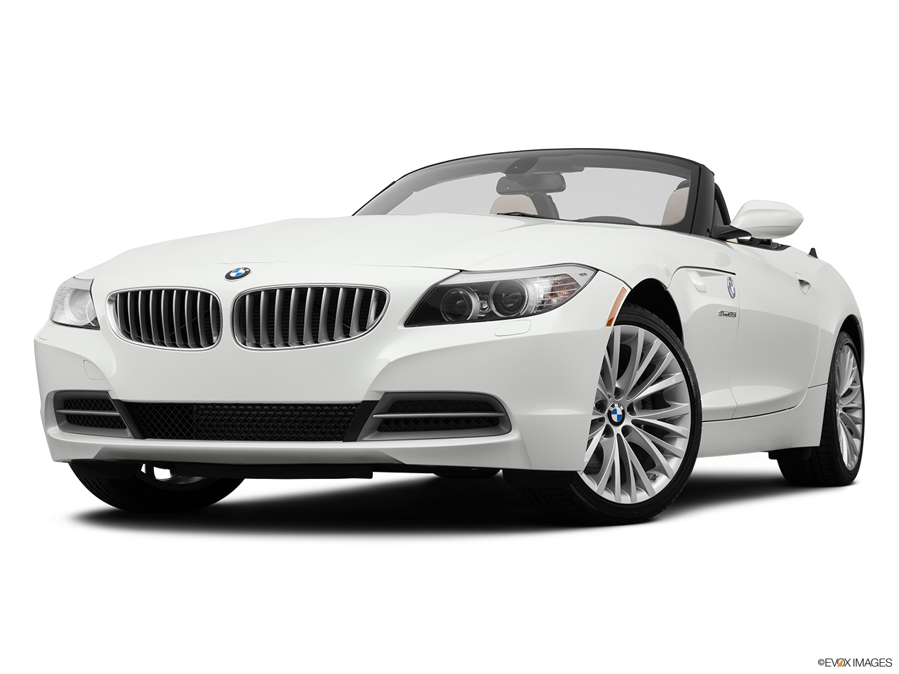 2014 bmw z4 roadster 35i front angle view low wide perspective