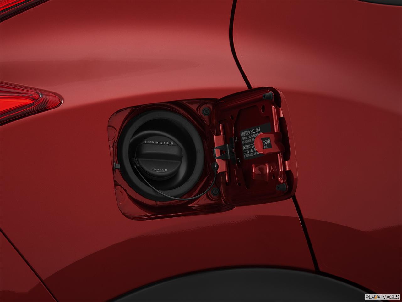 2014 Nissan Juke Wagon Manual Sv Fwd Gas Cap Open