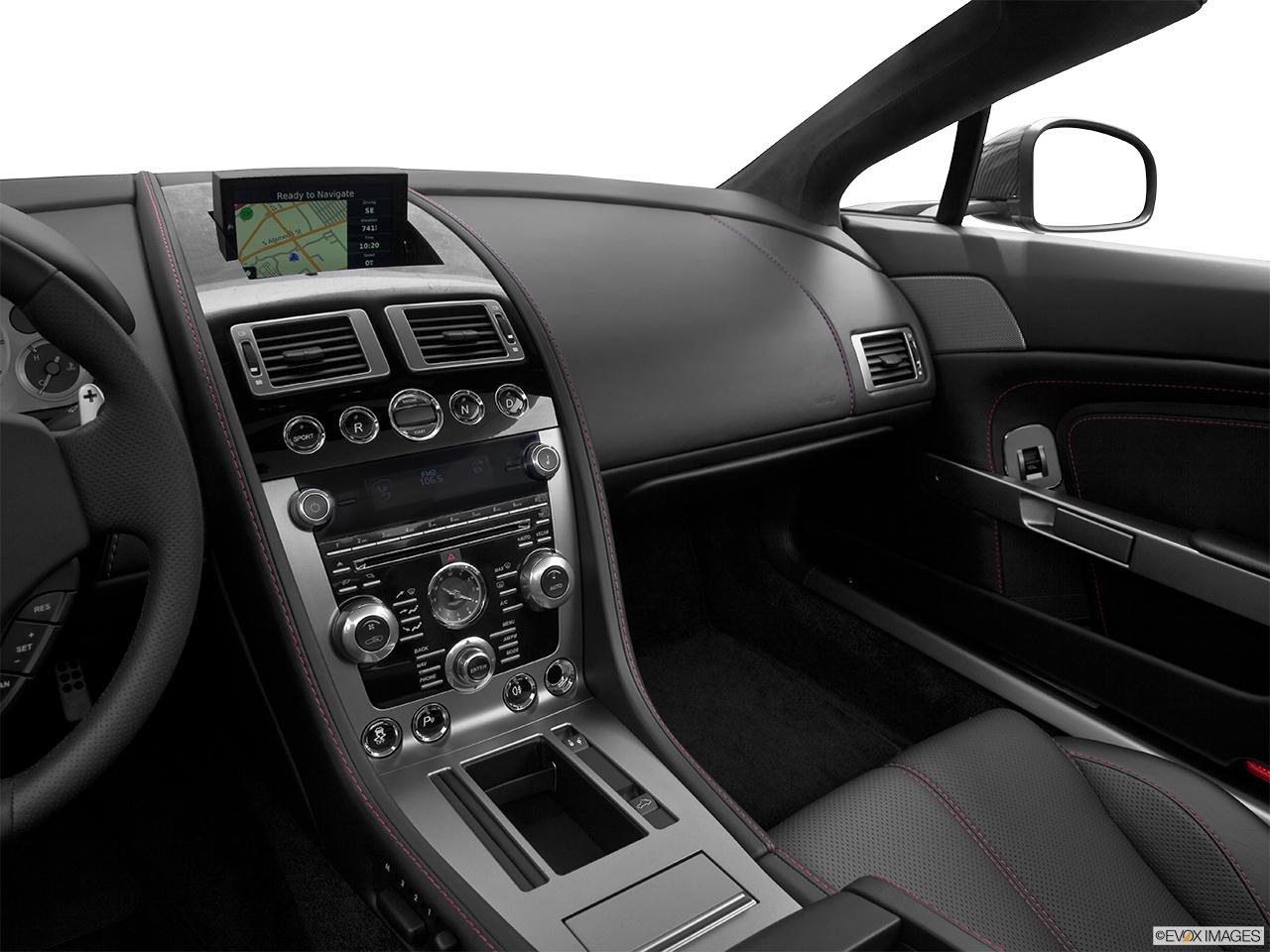 Aston martin v8 vantage curb weight