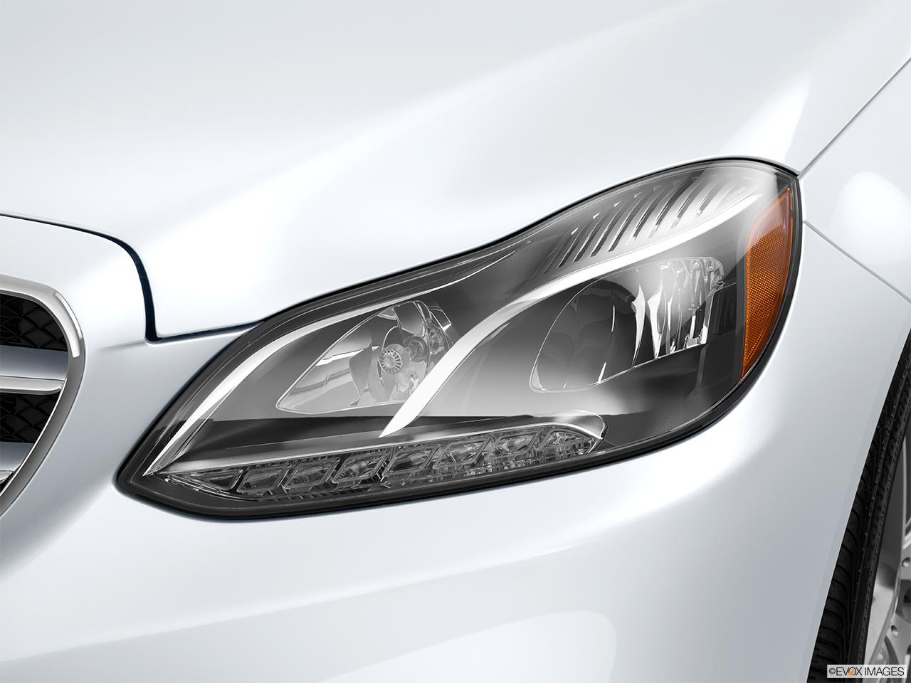 100 mercedes headlights spy video 2018 mercedes for Mercedes benz aftermarket headlights