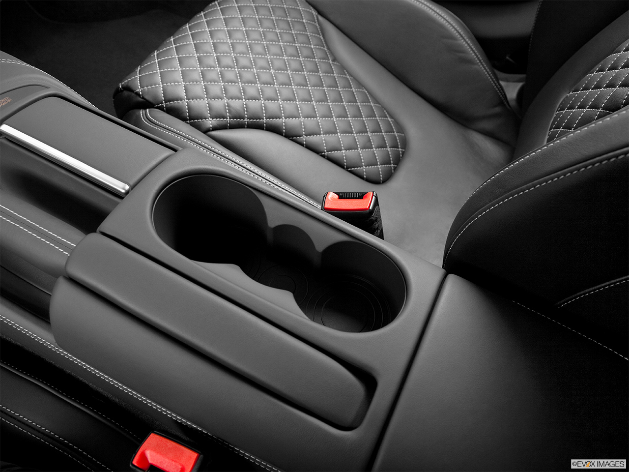 2014 Audi R8 Coupe Automatic Quattro V10 Plus Cup Holders