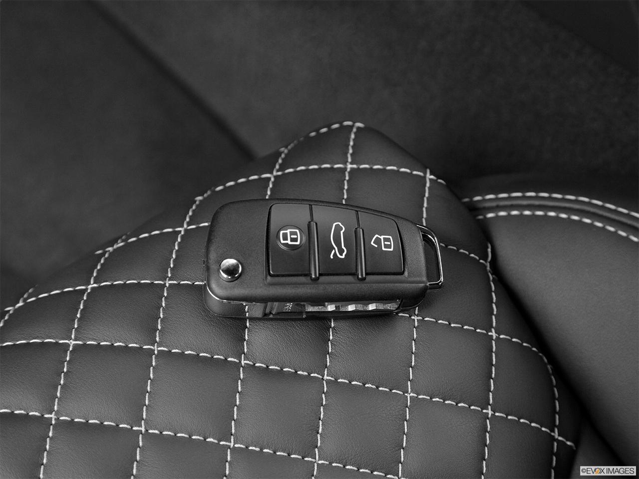 Audi R8 Coupe Automatic quattro V8 - Photos | CarNow.com