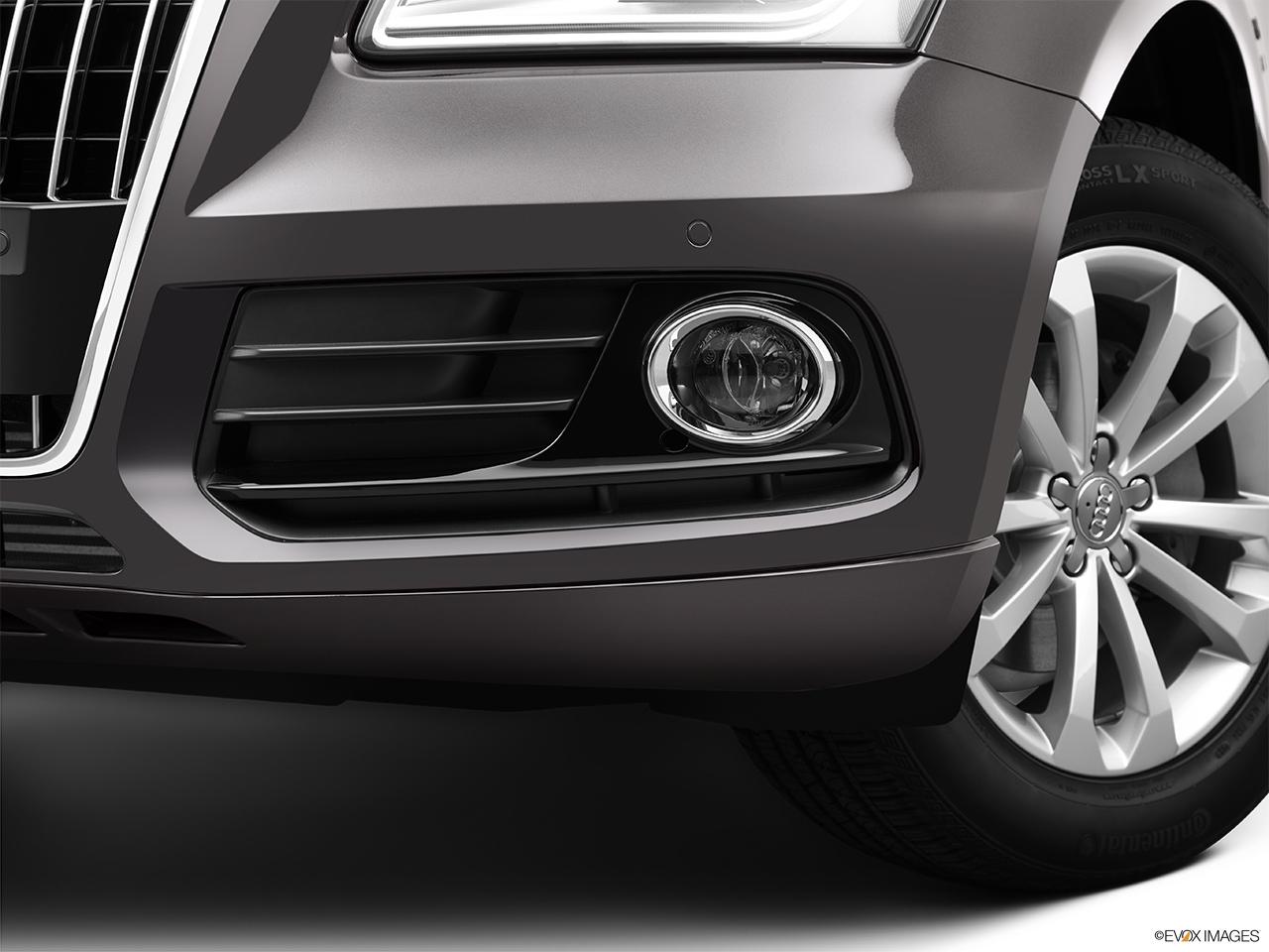 Audi Q5 quattro 3.0L TDI Prestige - Photos | CarNow.com