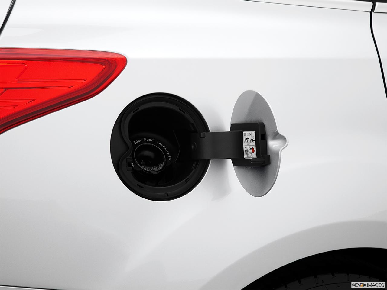 2014 Ford Focus Sedan Titanium Gas Cap Open