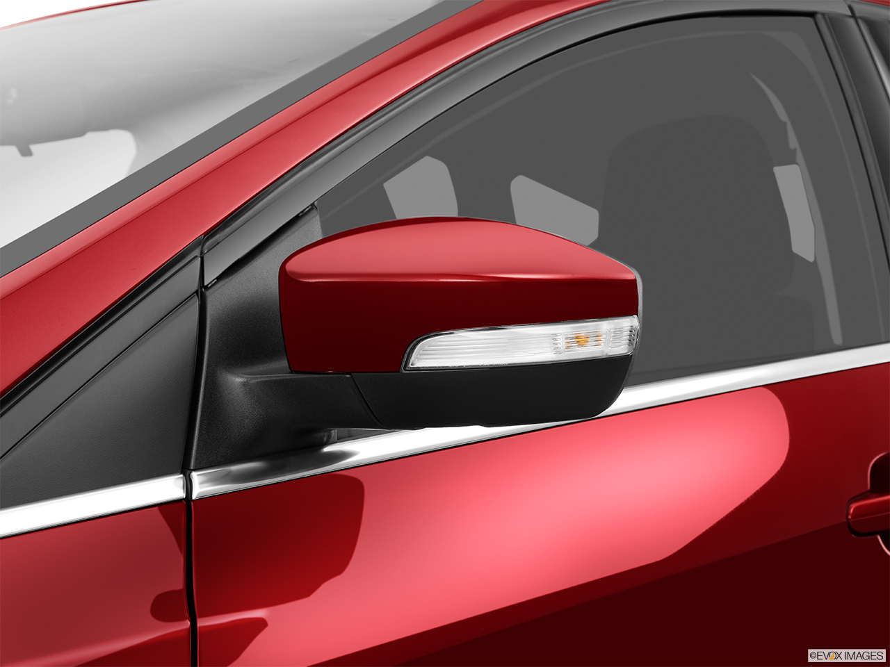 2015 Ford Focus 5dr Hatchback Titanium Front Angle View 2015