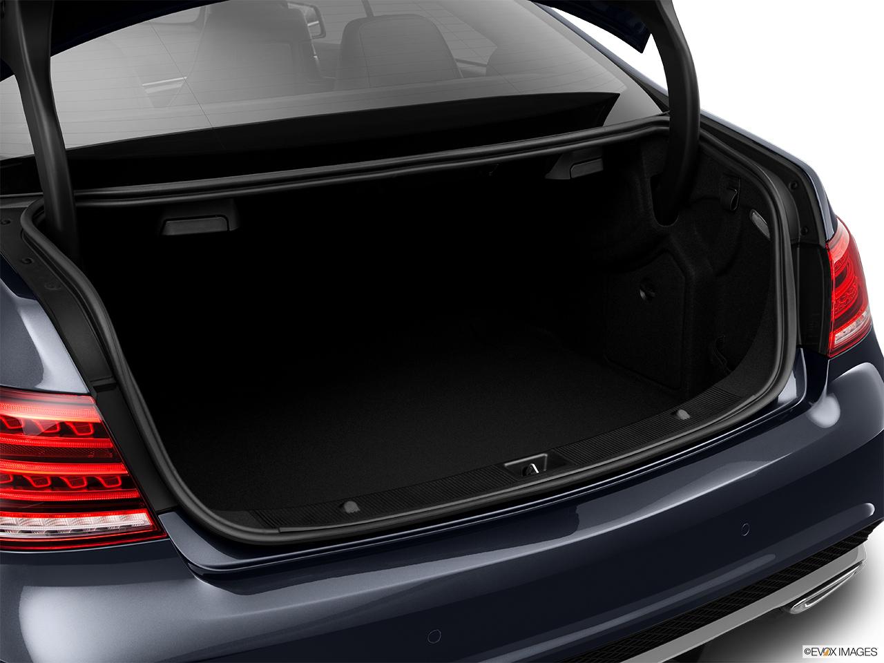 2015 Mercedes-Benz E-Class Coupe E550 RWD - Trunk open