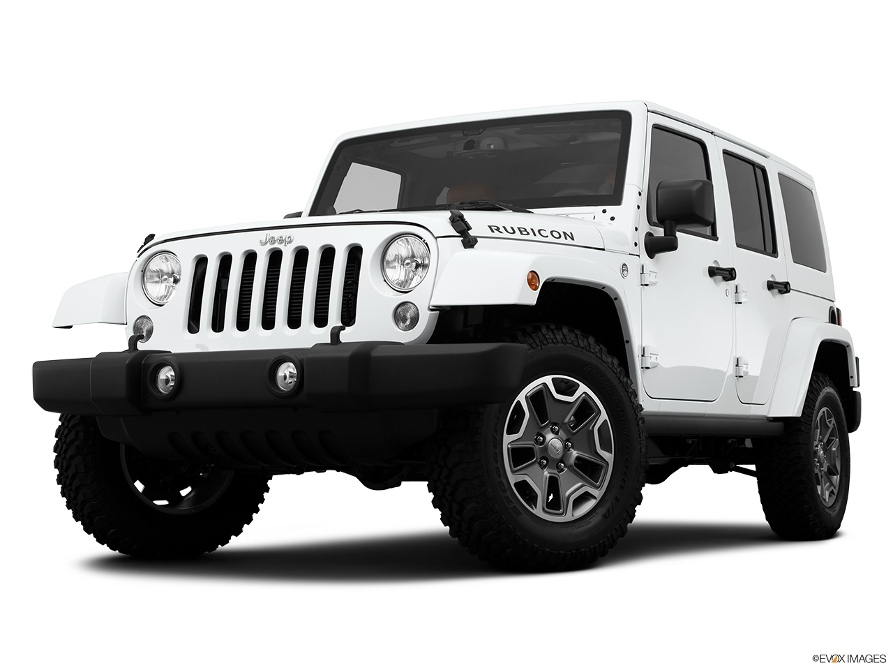 2015 Jeep Wrangler Unlimited 4WD 4 Door Rubicon - Front angle view, low  wide perspective