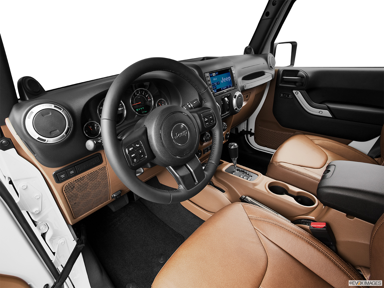2015 Jeep Wrangler Unlimited 4wd 4 Door Sahara Front Angle View