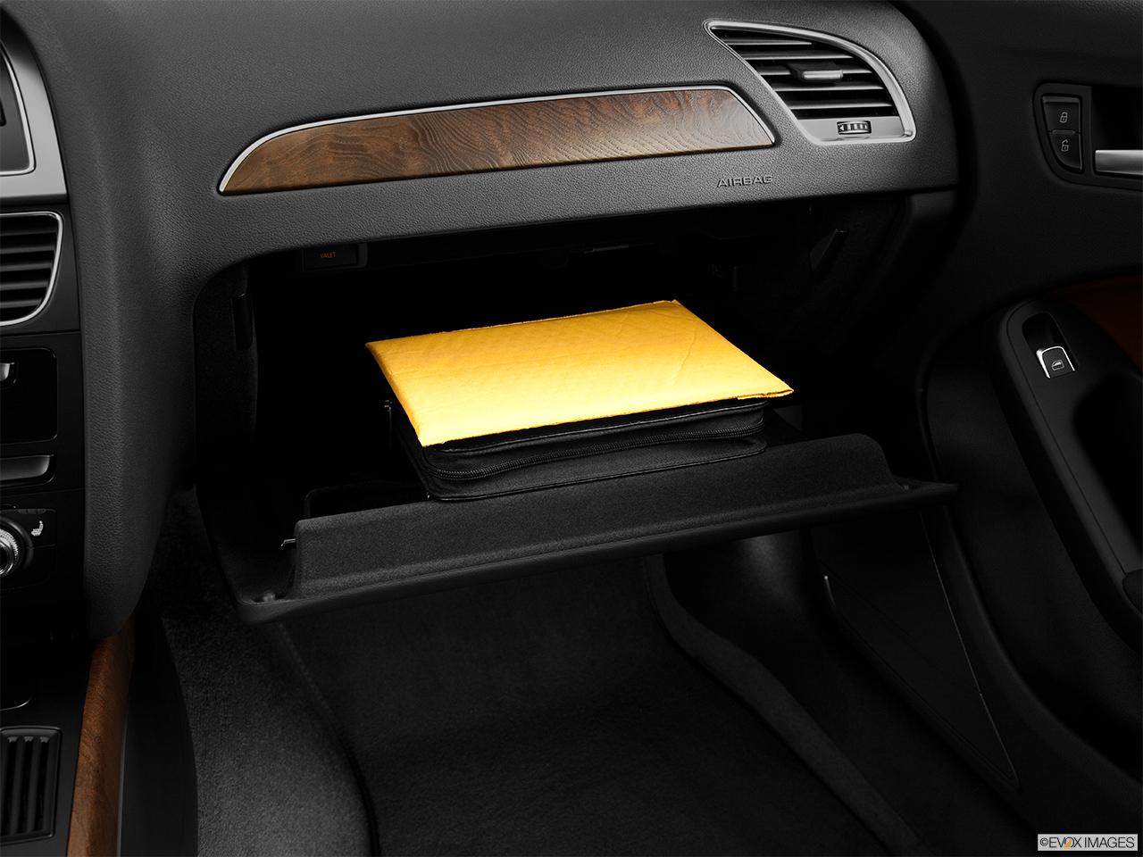 Audi A4 Sedan Manual quattro 2.0T Premium - Photos ...