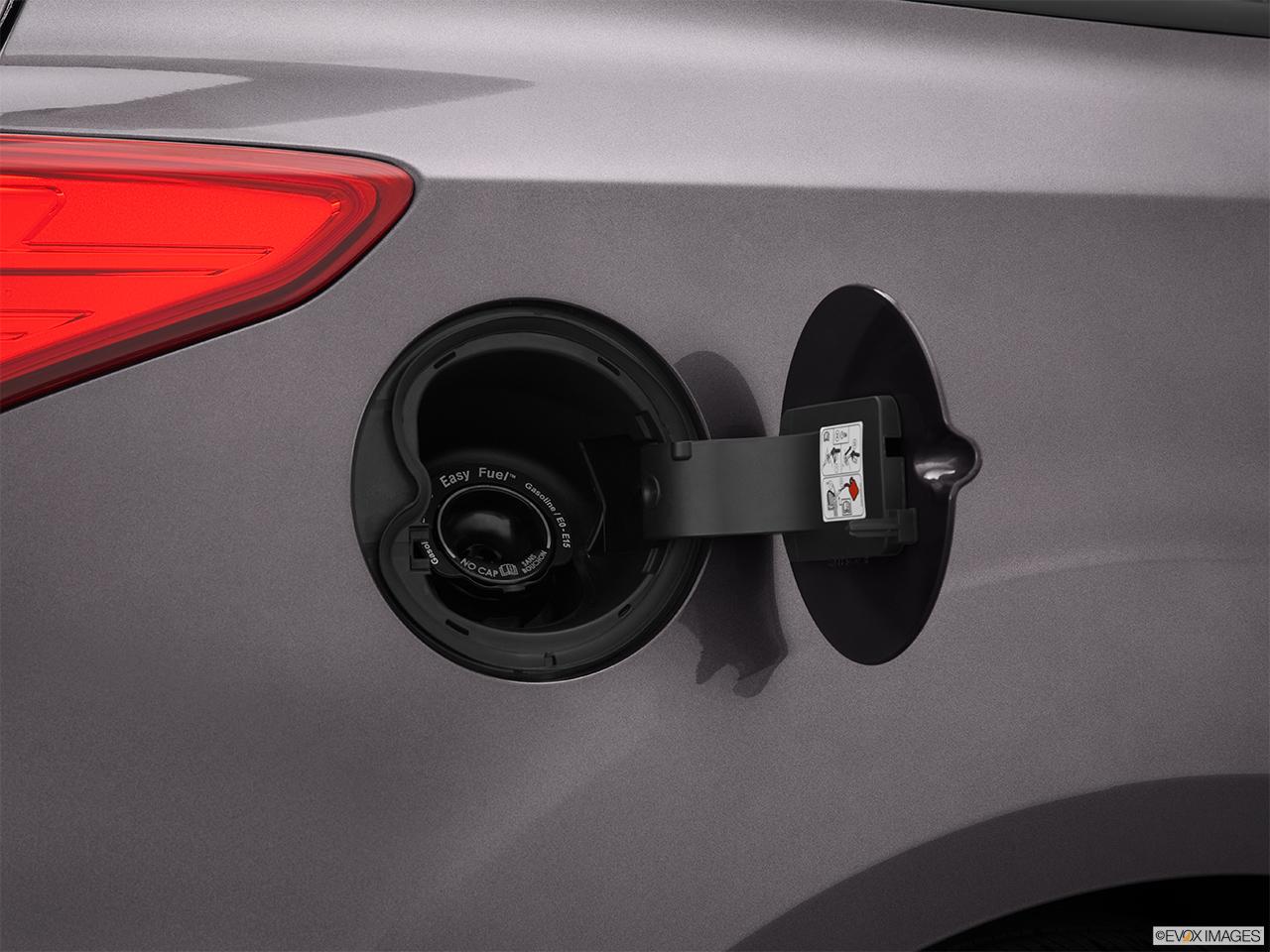 2015 ford focus 4dr sedan s gas cap open. Black Bedroom Furniture Sets. Home Design Ideas