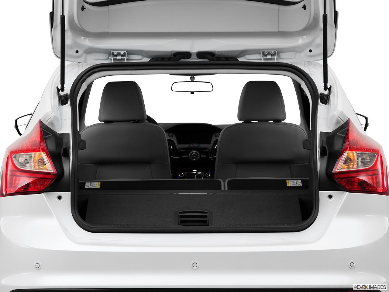 Ford Suv Cars >> 2014 Ford Focus Electric 5dr Hatchback - Hatchback & SUV rear angle