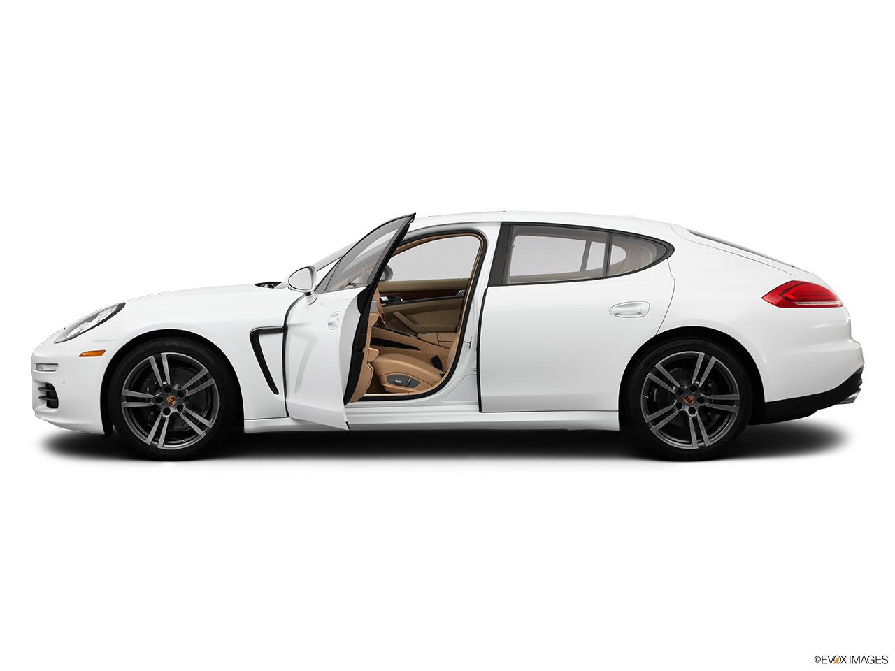 2015 porsche panamera 4 hatchback drivers side profile with drivers side door open