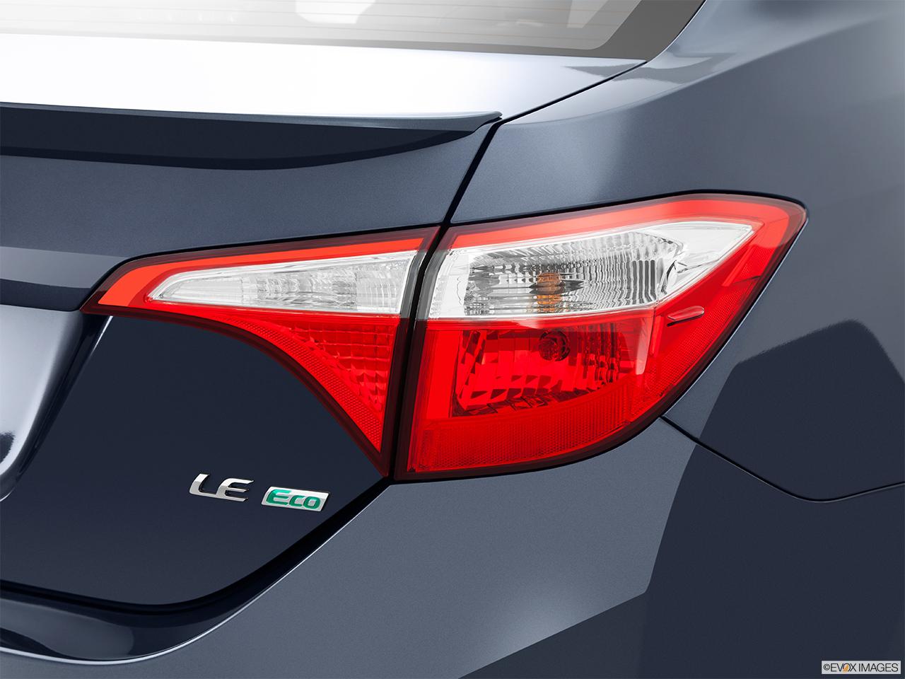 2015 Toyota Corolla 4dr Sedan Cvt Le Eco Passenger Side