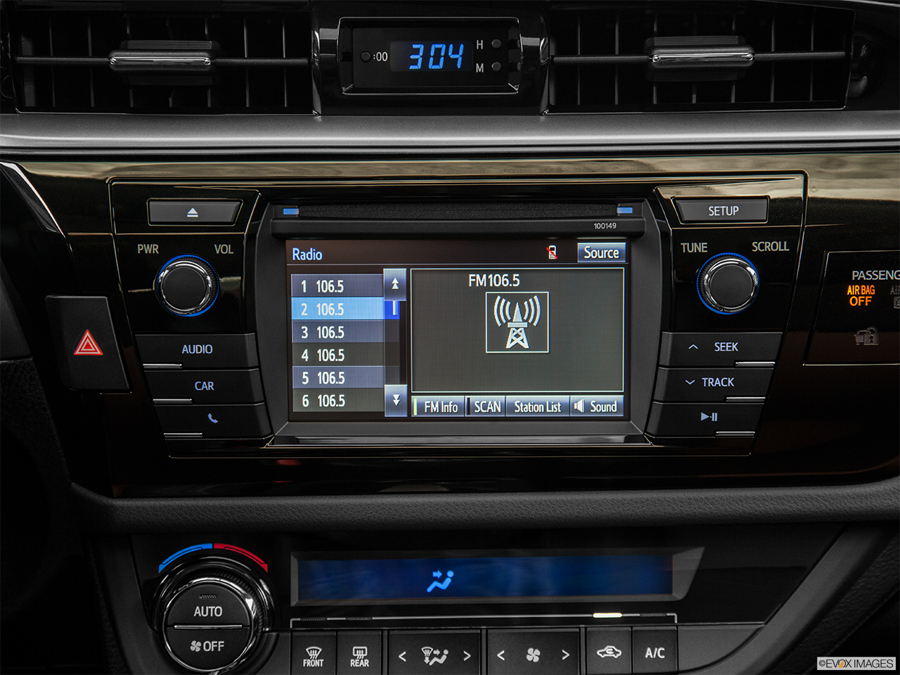 2014 Toyota Corolla Sedan Manual S Plus Closeup Of Radio