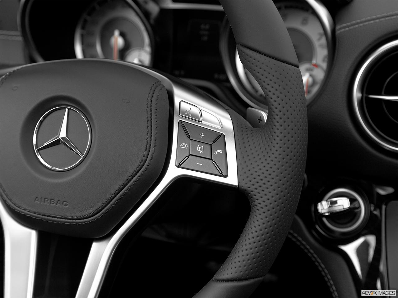 2014 mercedes benz sl class roadster sl63 amg steering for Mercedes benz steering wheel control buttons