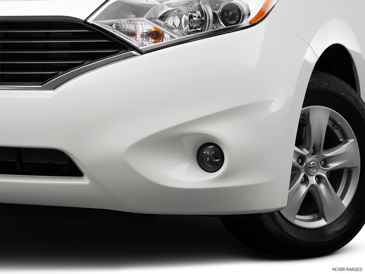2014 nissan quest s driver s side fog lamp