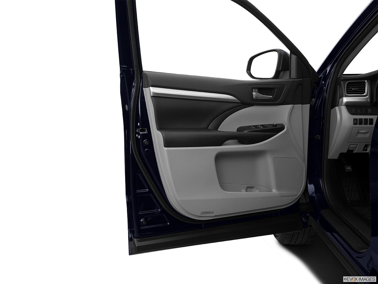 2015 Toyota Highlander Awd 4 Door V6 Xle Inside Of