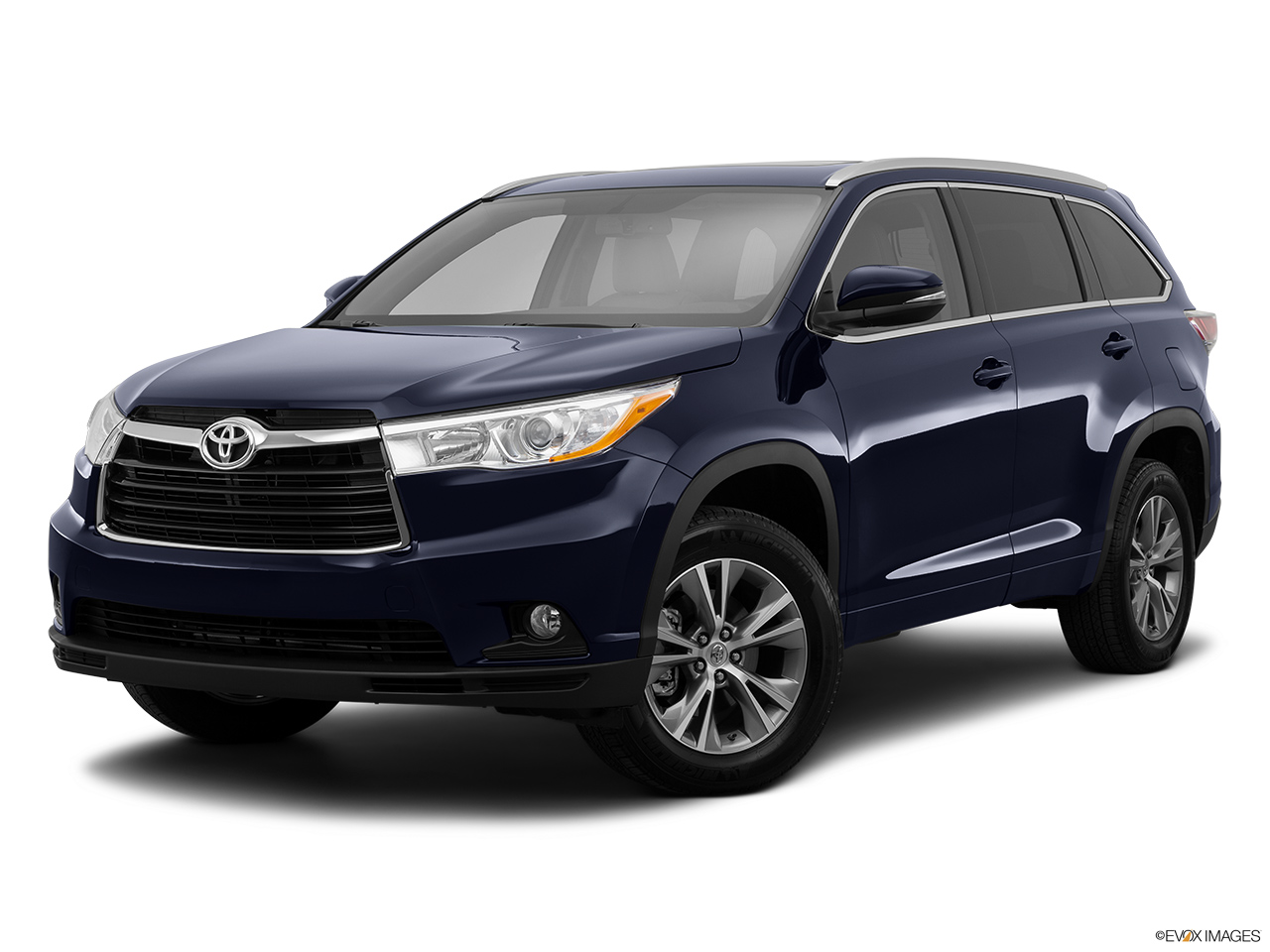 2015 Toyota Highlander Awd 4 Door V6 Xle Front Angle